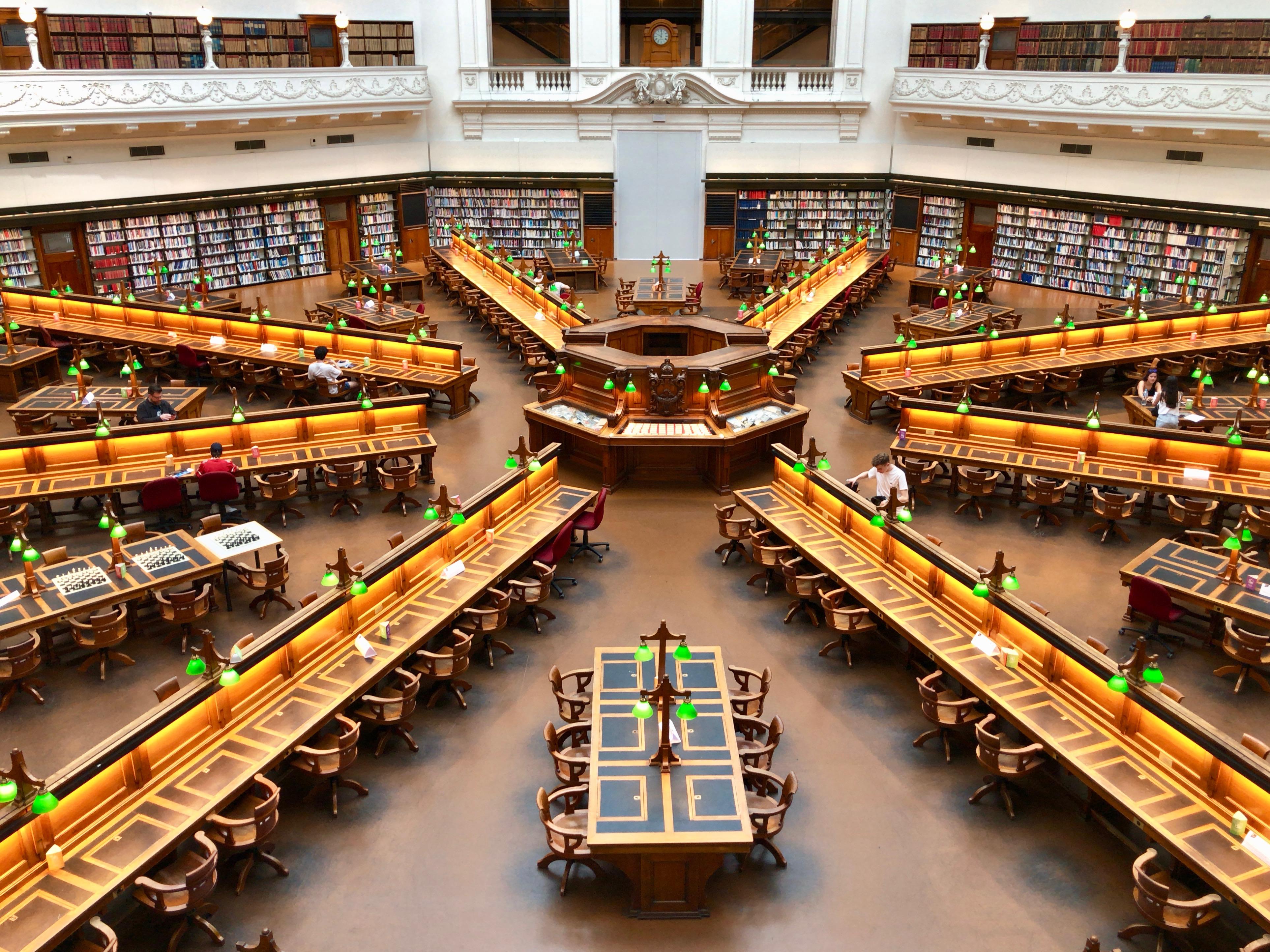 メルボルン,中心,オーストラリア,一人旅,女性,ビクトリア州立図書館
